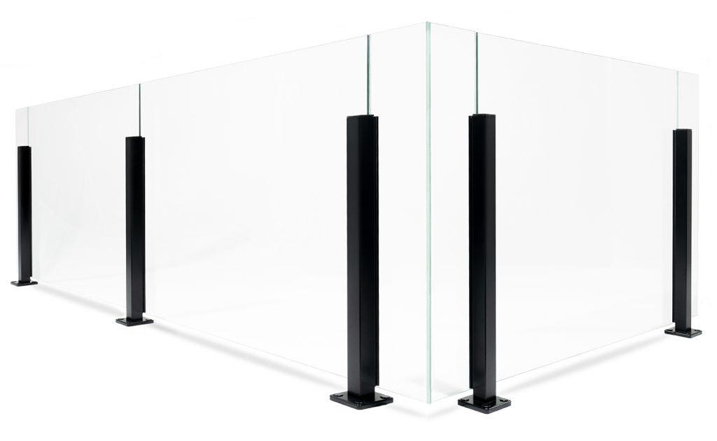 Glasgeländer mit Aluminiumpfosten in stilechtem Design