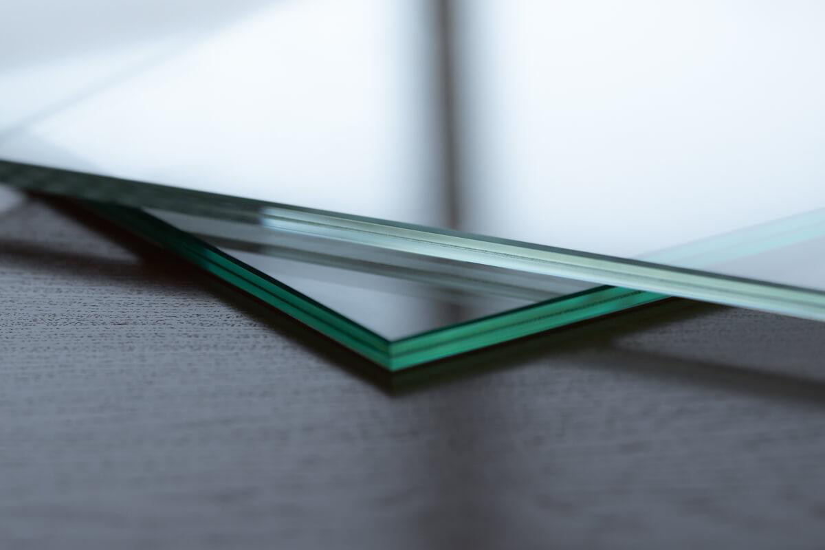 Ultraklart glas jämfört med klart glas
